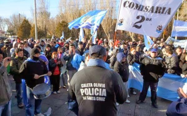 Piedra del Aguila.-: Día de la Policía