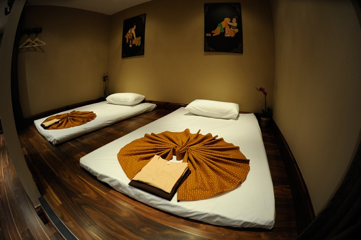 Siam sanctuary thai massage therapy studio london massage pinterest therapy massage - Salon massage thai paris 9 ...