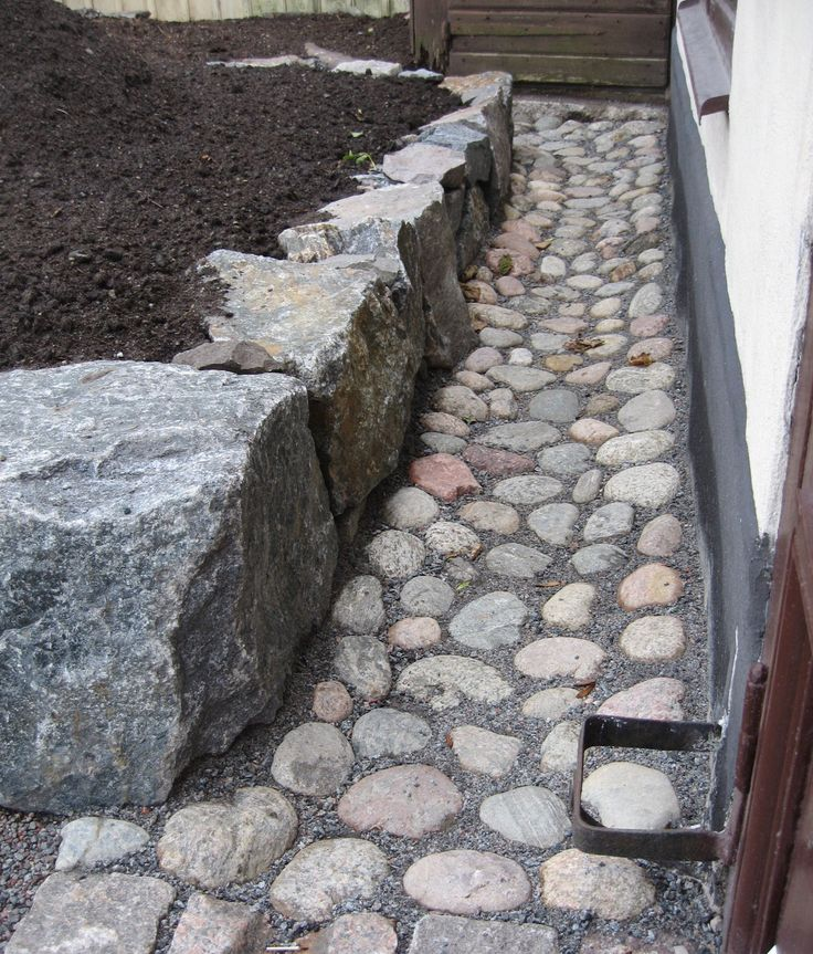 Best 25 drainage solutions ideas on pinterest yard for Easy yard drainage solutions