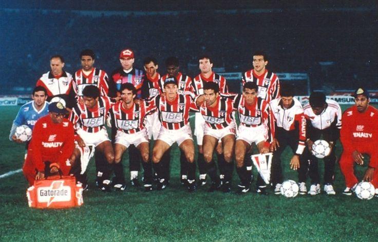 Por Arquivo Histórico do São Paulo FC - Gilmar, Zetti, Dinho, Vitor, Pintado e Marcos Adriano; Müller, Palhinha, Válber, Raí e Cafu