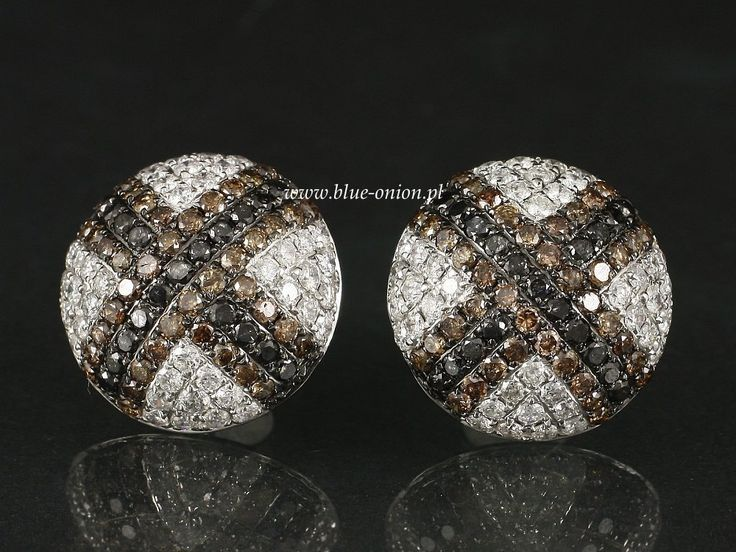 Black-White-Brown Diamond earrings     Gold   White gold 750     Weight   5,0g     Stones   Diamonds (engraved)     Colour   Top Wesselton, Brown, Black     Size   198 Diamonts approx. 2,46ct     Quality   SI-P     Dimensions   15,0mm / Ear nut: 6.5 mm     goldsmith work