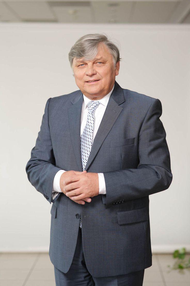 Waldemar Frąckowiak przewodniczącym rady nadzorczej Kulczyk Investments  - Jana Kulczyka zastąpi naukowiec z UEP