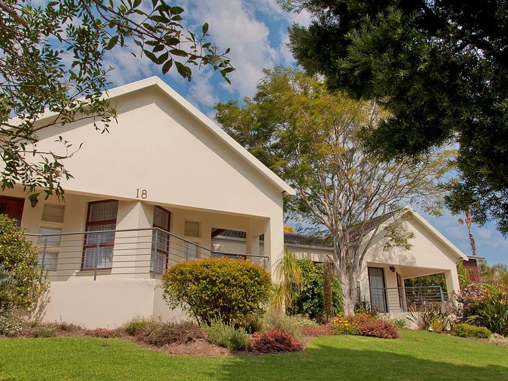 George, Eden – R1 695 000. Lounge / dining room, kitchen with scullery/laundry, two studies, three bedrooms, two bathrooms & double automated garage. Call: Donna 083 604 0611 #properties #gardenroute