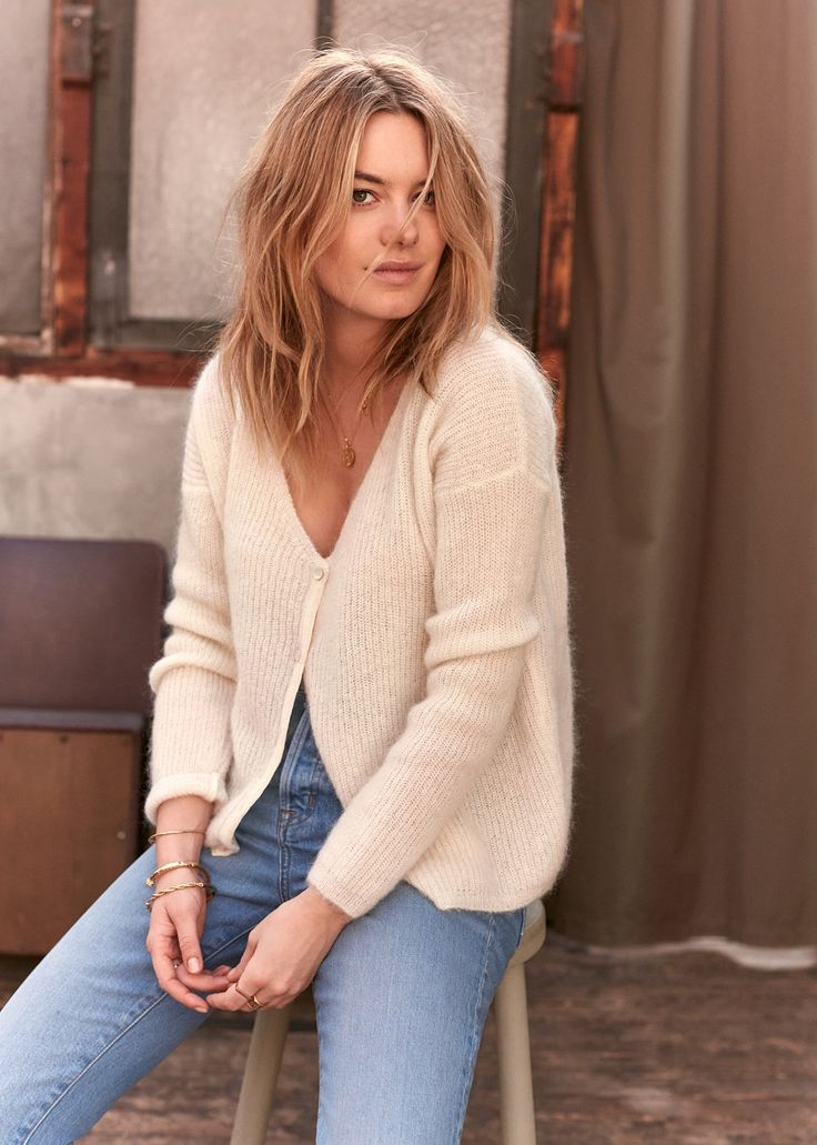 Everyone's favorite Parisian label, Sézane, has launched some gorgeousnew pieces for spring, and as always, they're selling like hotcakes. French supermodel Camille Rowe stars inthe new look book which includesthe mostgorgeousleather jacket and sexy oversized knits. Below, findsome of my favorite stylesand explore all Sézane's new releases here. Let's keep in touch! Bloglovin /Instagram/Twitter/Tumblr/Facebook/Pinterest YOU …