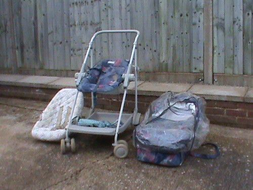 Maclaren pushchair, pram and car seat combi