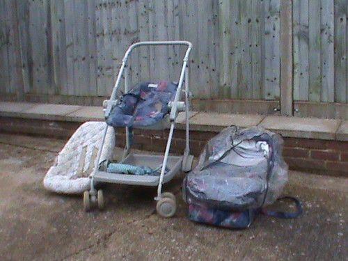 Maclaren pushchair, pram and car seat combi