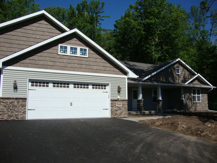 Siding ovation shakes discovery montana suede stone for Shakes on house