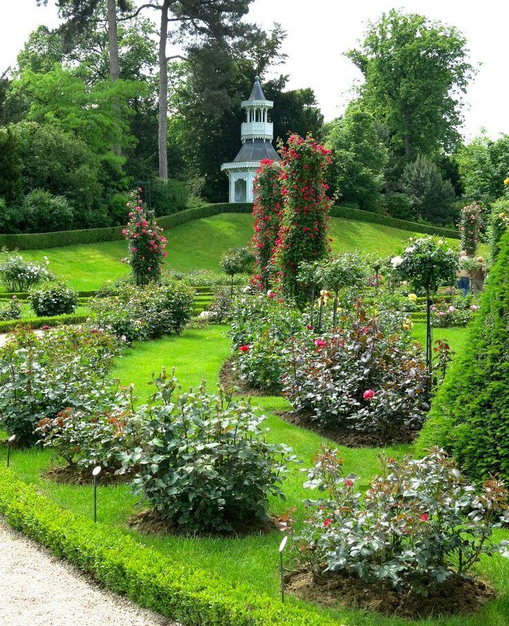 Jardin de Bagatelle, Paris via Carolyne Roehm Hannah & Fay ~ keep yourself inspired, xo
