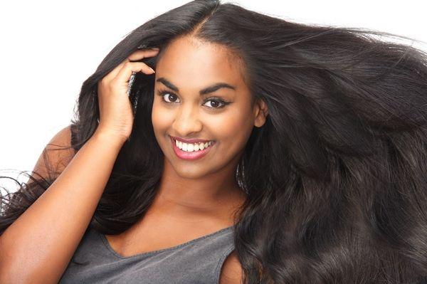 Para muitas mulheres ter o cabelo lisinho é um sonho de consumo, e não é difícil. Veja aqui passo a passo de como fazer escova definitiva em casa.