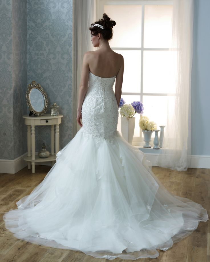 9 best Danielle Couture images on Pinterest | Bridal dresses, Short ...