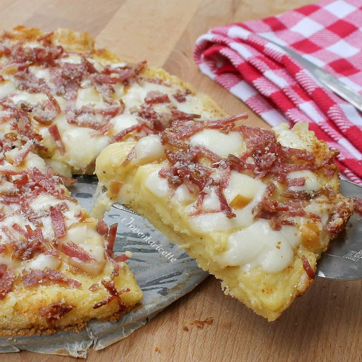 Pizza patate provola salame