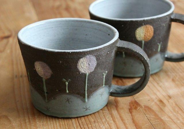 焼き〆(内釉薬)むらさきポンポンマグカップ