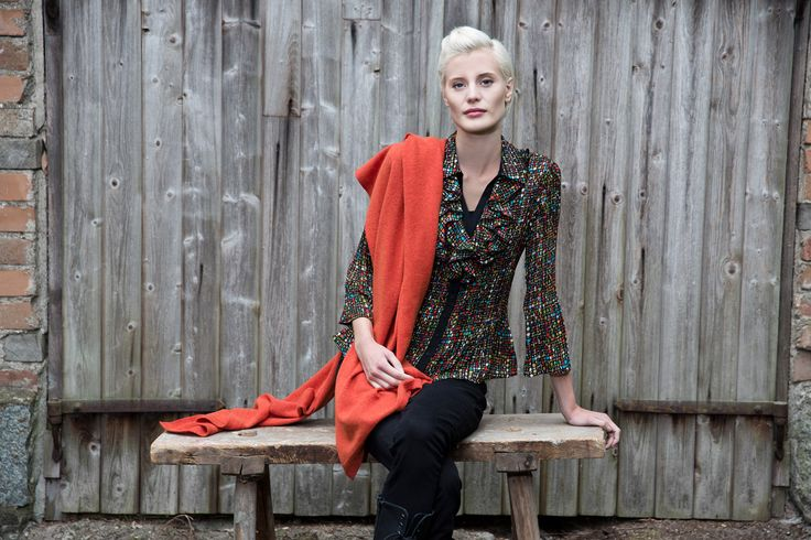 Kriss Fashion Blouse with a scarf in cashmere and merino. www.kriss.eu