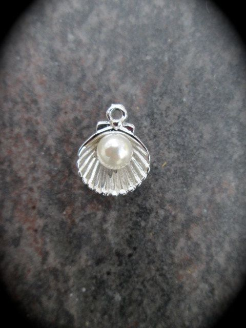 Encantos de concha de mar con plata perla Acentos final