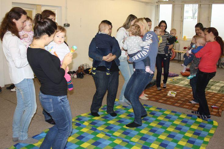 zenére közös tánc