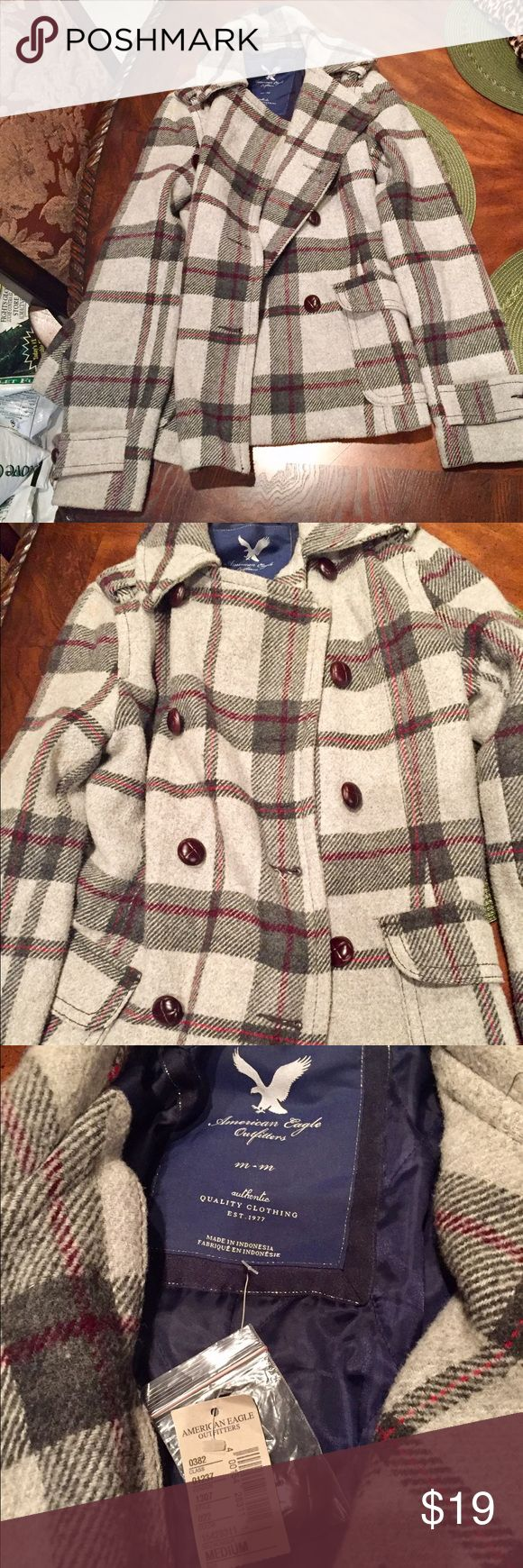 GRAY PLAID AMERICAN EAGLE PEACOAT‼️W/TAG‼️SIZE M🎁 Gray plaid American Eagle Outfitters PeaCoat‼️Never Worn With Tags‼️Does Not Come with Belt ‼️BUY NOW🎉🎉🎁🎁 American Eagle Outfitters Jackets & Coats Pea Coats