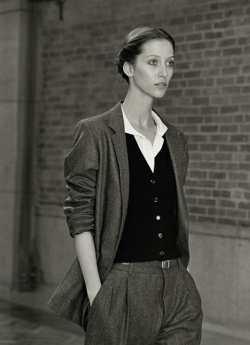 decrepitate:    Alana Zimmer shot by Venetia Scott for the Margaret Howell fall 2010 campaign
