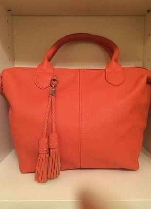 Kaufe meinen Artikel bei #Kleiderkreisel http://www.kleiderkreisel.de/damentaschen/handtaschen/128744028-henkeltasche-mariposa-handtasche-orange-mit-taschenanhanger