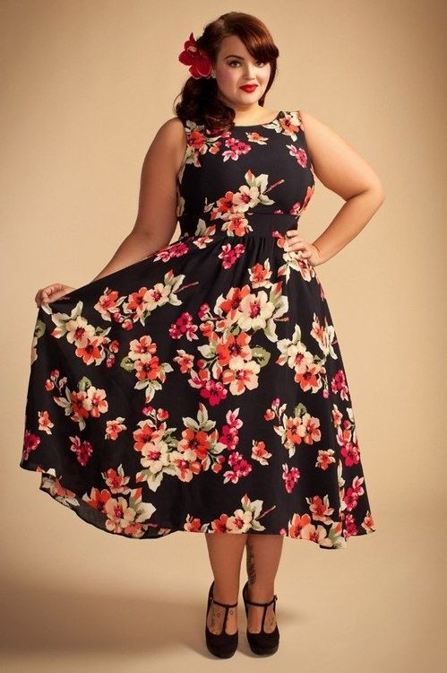 Plus Size Dress - oh I think Ineed o make this in the navy floral from Beauty Queen/Sis Boom fabric!