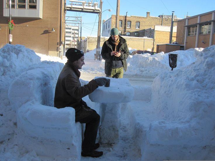Después de la intensa nevada ellos decidieron aprovecharla así en una mañana radiante. Fargo, Dakota del Norte.