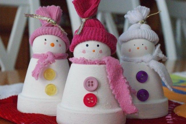Schneemann Figuren mit Schal und Hut