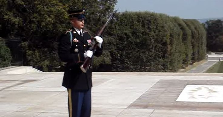 Visitors Disrespecting The Tomb Of An Unknown Soldier, Got Official Warning