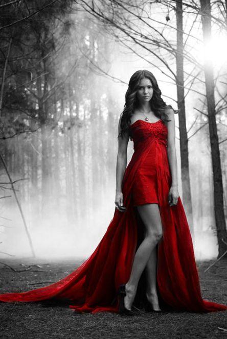 Elena~The Vampire Diaries