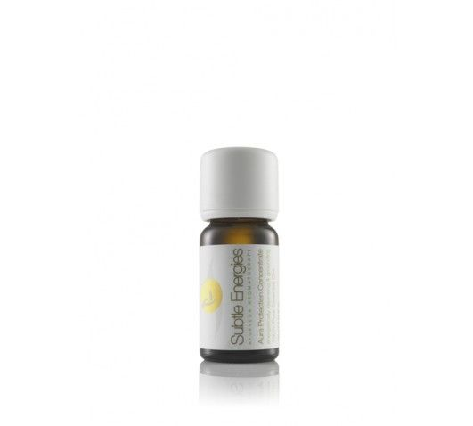 Aura Protection Concentrate  A purifying blend for diffusing with a strong earthy aroma and spicy overtone.