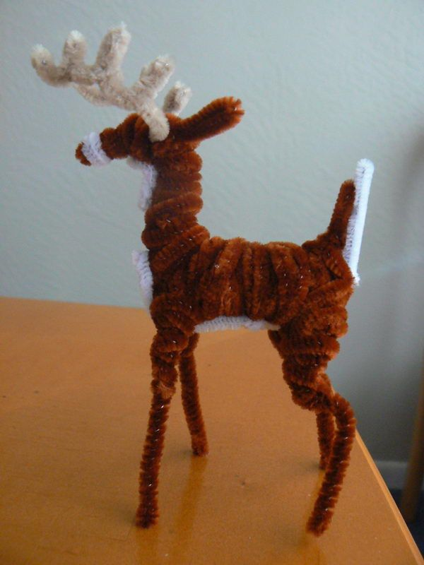 White Tailed Deer - 50  Pipe Cleaner Animals for Kids, http://hative.com/pipe-cleaner-animals-for-kids/,