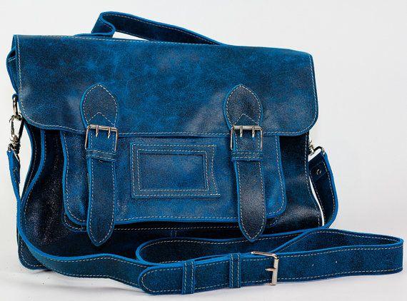 Model: Inglesa Unisex vintage style genuin leather messenger by FerchisFashion, $112.00