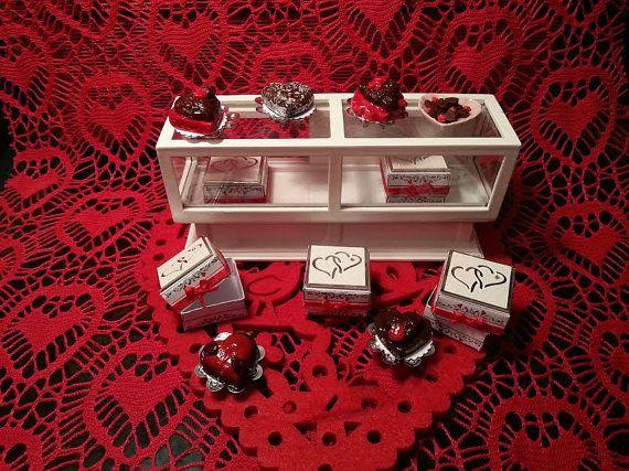 Cake  hearts Valentine's scale 1:12 dollhouse by LaboratoriodiManu