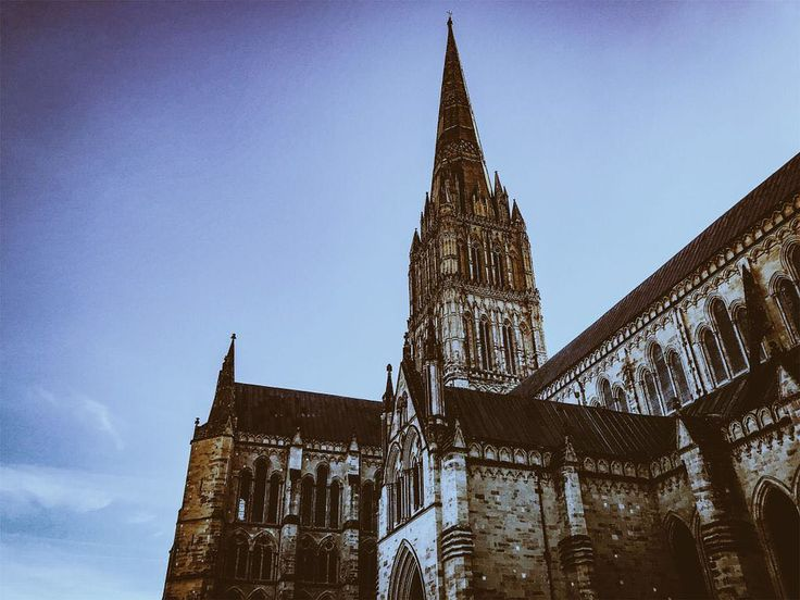 Cathedral.  #England #englandtrip #trip #travel #traveller #britain #europe #gothic #cathedral #architecturedaily #architectureporn #architecturelovers #architecturephotography #sky #travelgram #travelers #travelpic #salisbury #church #sightseeing #drama #dramatic #archi #architecture #uk #westcountry #englandismine #history #historylover #scenic