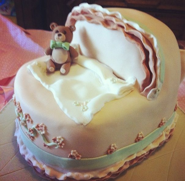 Bassinet  Baby Shower Cake - By Nat and Jess