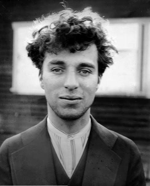 Charlie Chaplin 27 yaşında iken Yıl 1916   #Sanat #sinema