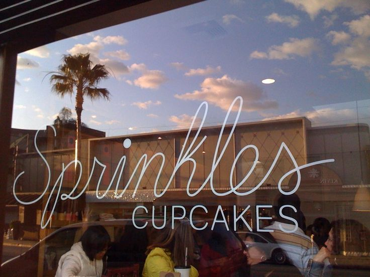 If you haven't tried Sprinkles Cupcakes, you haven't lived!