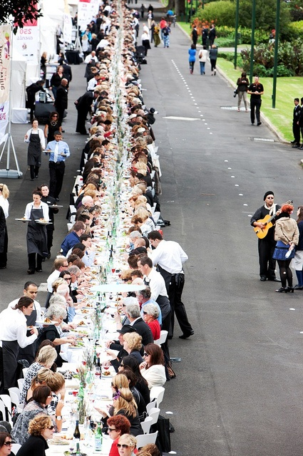 Melbourne Food and Wine Festival 2011 World's Longest Lunch
