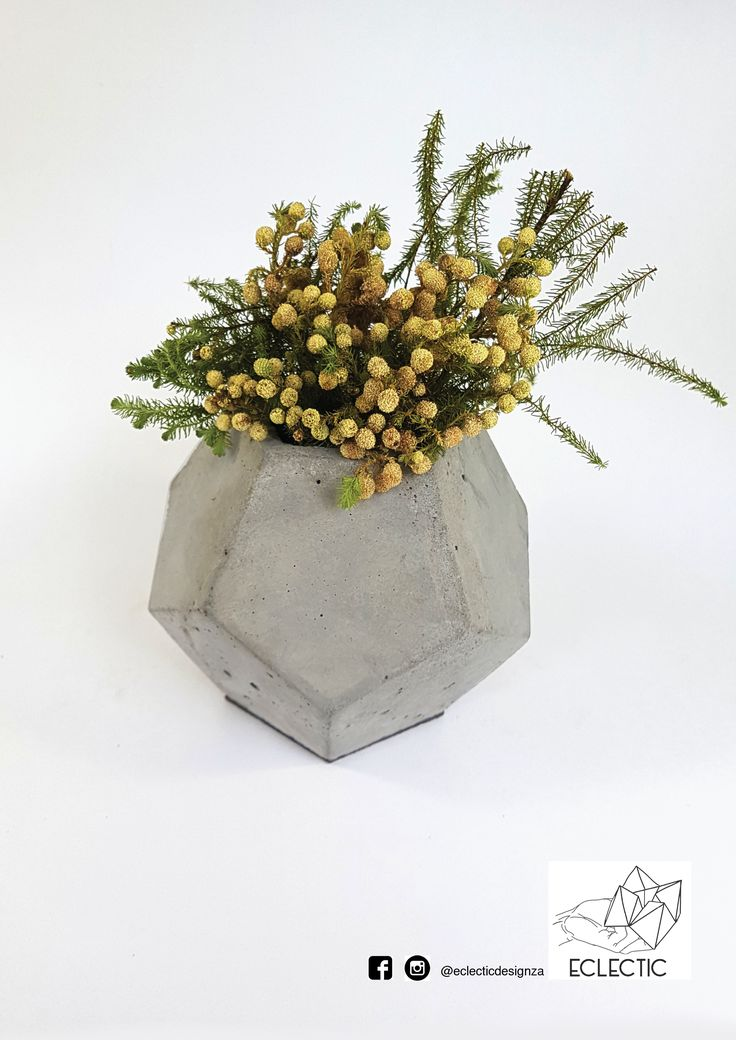 Dodocahedron concrete vase - Light grey