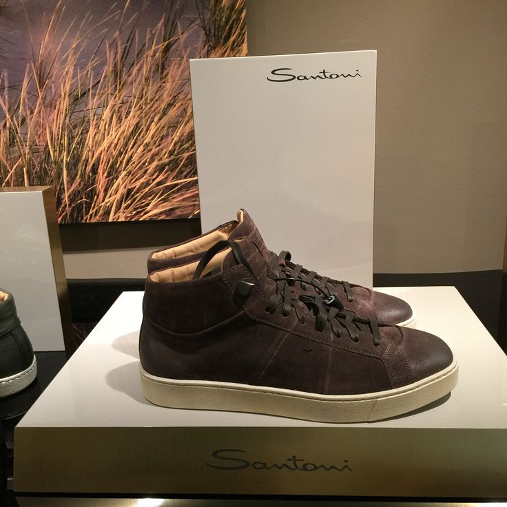 L'eccellenza del Made in Italy: Santoni Shoes.