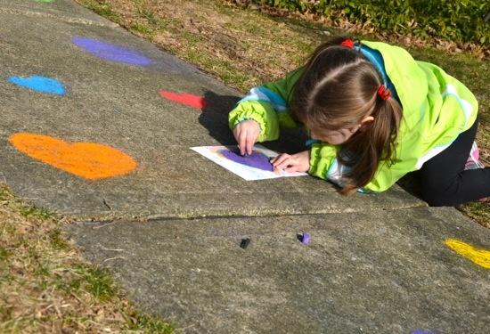 Sidewalk chalk stencils -- made w/ old file folders or empty cereal boxes.: Childhood Memories, Simple Pleasures, Kids Activities, Chalk Stencil, Fun Ideas, Sidewalks Art, Inner Child, Sidewalks Chalk, Kiddie Stuff