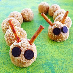 Grab the kids and head into the kitchen to make these cute Cookie Crumble Cheesecake Caterpillars. Great for a bug themed party, Halloween, or an afternoon snack.