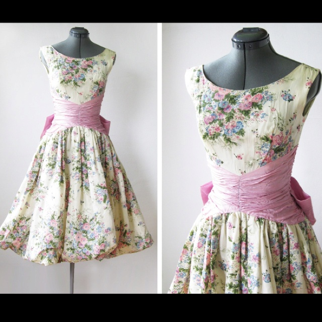Garden tea party dress. @Elaine Redmon are you familiar with this waist? What is this called. I love it.