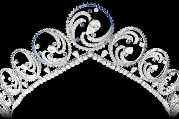 This tiara was commissioned by Prince Albert II of Monaco as a wedding gift for his bride, Princess Charlene. This tiara is convertible — the round elements pop out of the frame, making possible to wear as a necklace. The design features over 1,200 gemstones of diamonds and sapphires, weighing over 70 carats.
