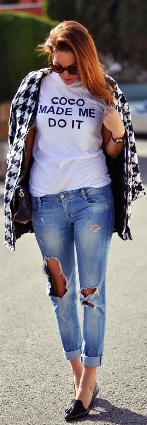 houndstooth coat, printed tee with boyfriend jeans.
