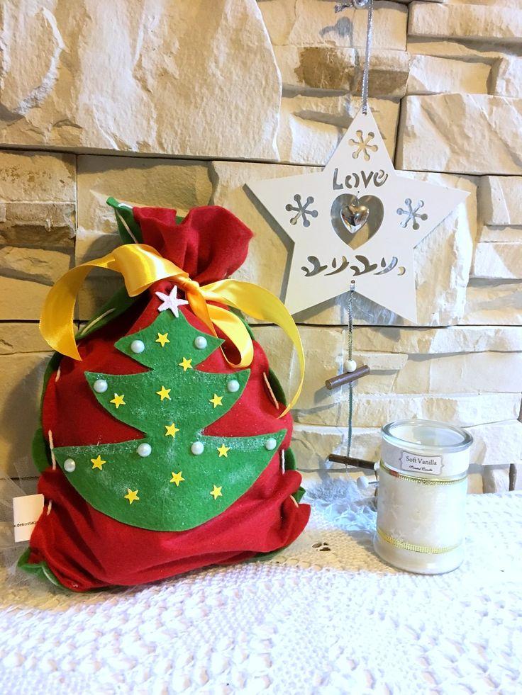 Świąteczny DIY woreczek z filcu jako opakowanie na prezent, idealny na święta! Pokazujemy jak go zrobić na blogu :) #christmas #BożeNarodzenie #DIY
