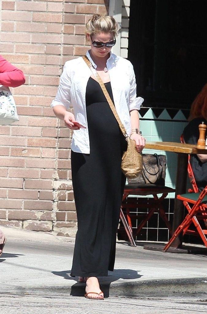 Pregnant Katherine Heigl (676×1024)