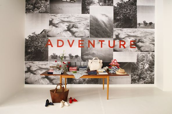 love!! chance pop-up!: Magazine, Photo Studio, Photo Walls, Adventure Display For Shows, Displaying Photos, Wall Ideas