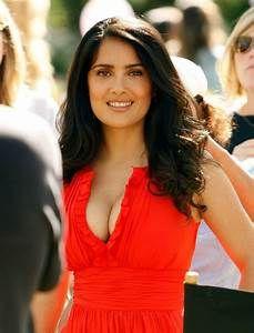 Salma Hayek: Salma Hayek cleavage pics
