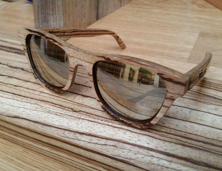 #Gafasdemadera #MólerMonza hechas a mano con #madera de #zebrano.   #Woodglasses #MolerAlhambra #handcrafted with #zebrawood.   www.moler.es