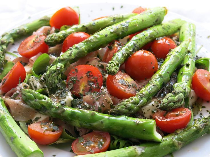 Salade d'asperges grillées