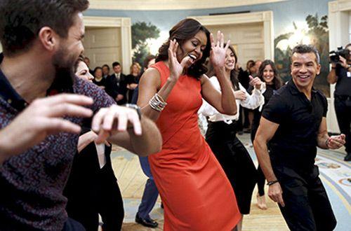 В Белом доме Мишель Обама станцевала с под песню «Конга»